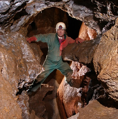 Rob Clyne in the spectacular Barralong Cave, Jenolan
